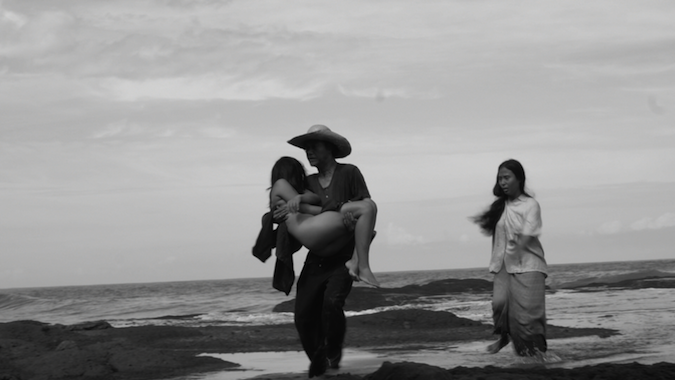 Mula sa Kung Ano ang Noon (From What Is Before, Lav Díaz, 2014)