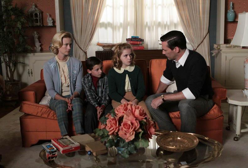 Mad Men cuestiona la concepción artificial de la familia.