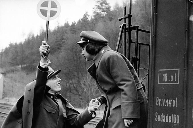 Trenes Rigurosamente vigilados (Ostre sledované vlaky, 1966)